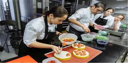 Лучшие кулинарные вузы  России и Москвы