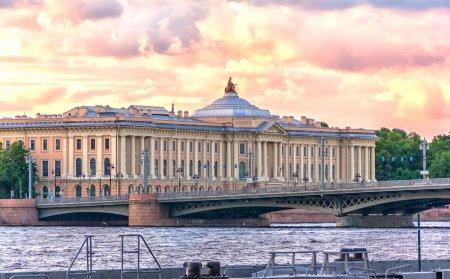 Лучшие художественные вузы России